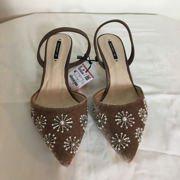 c585a41a8a4 ZARA EMBROIDERED VELVET SLINGBACK SHOES